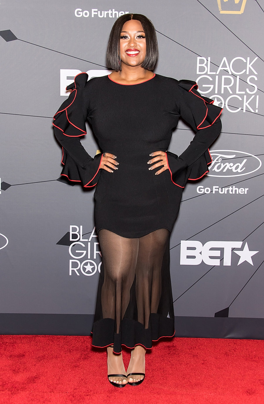 jazmine-sullivan-black-girls-rock-red-carpet-2018-billboard-1240