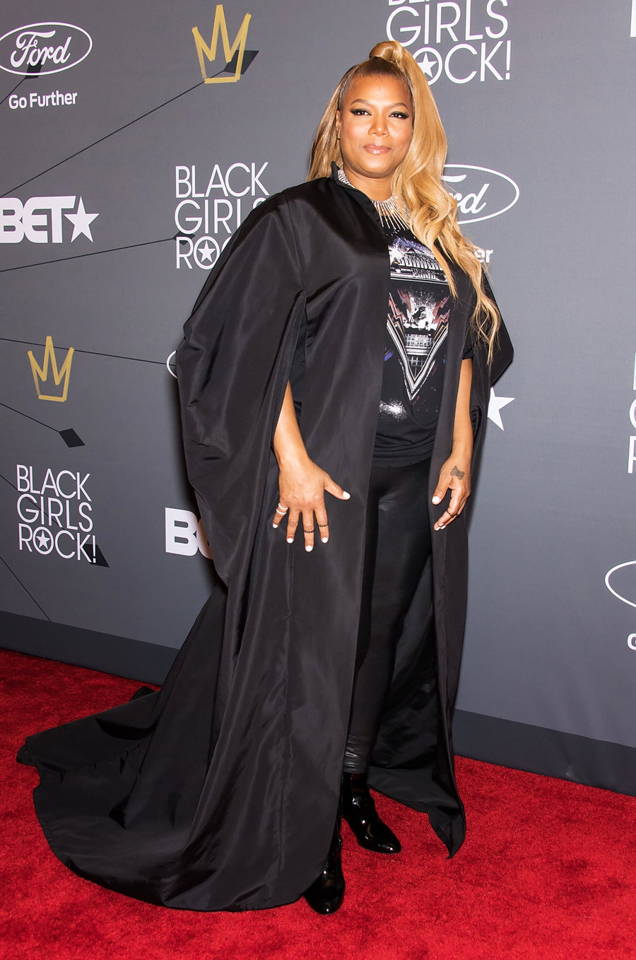 queen-latifah-black-girls-rock-red-carpet-2018-billboard-1240